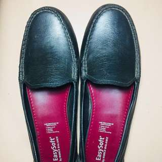 Preloved Flat / Doll Shoes