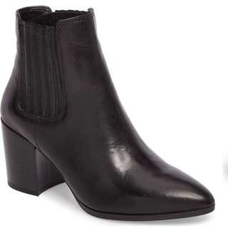 Steve Madden Black Chelsea Boots
