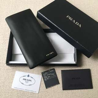AUTHENTIC PRADA Vitello Black Long Wallet