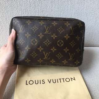 AUTHENTIC LV LOUIS VUITTON Pouch Clutch Case