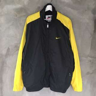 Nike黑色風衣外套