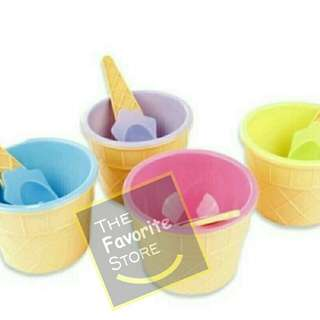 Ice cream bowls with spoons set of 4