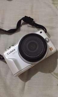 Panasonic Lumix GF3 white mirrorless camera