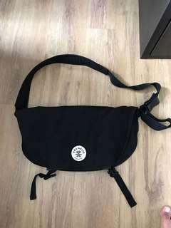 Crumpler Sling Bag (The Wonder Weenie)