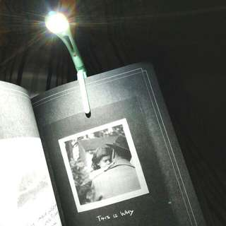Clip-on mini book light