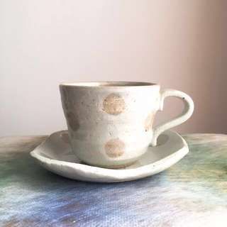 (Made in Japan) Beige ceramic cup with saucer