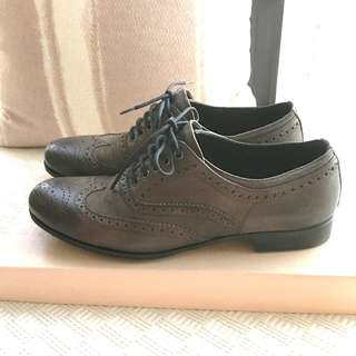 Prada  -  Oxford leather lace up wingtip shoes  ~Size 36  ~Made in Italy  @