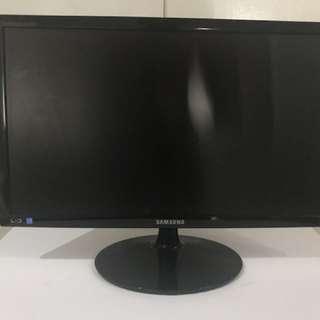 Samsung 24inch LED flatscreen computer monitor