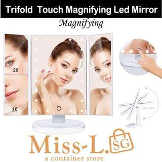 👑 TRIFOLD TOUCH MAGNIFYING LED MIRROR