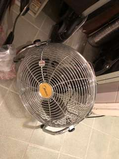 Electric Fan 座地風扇 95%New
