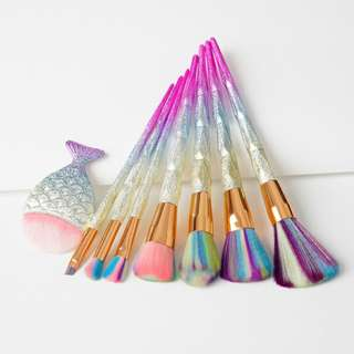 **8 PCS DAZZLE GLITTER DIAMOND MAKE-UP BRUSHES SET**