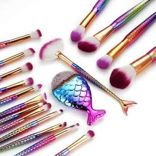 ** 18 STYLE MERMAID FISHTAIL MAKE-UP BRUSHES SET**
