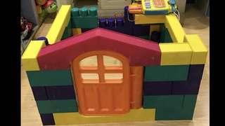 People House Giant Blocks