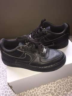 Air Force ones (black)