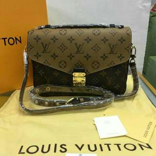 Louis Vuitton w/receipt and box