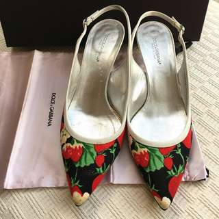 Dolce Gabbana  sling back kitten heel shoes  *Made in Italy  @Size 37-1/2
