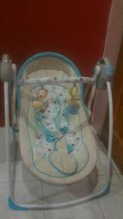 Baby Swing Rocker Bouncer (90% New wit box)