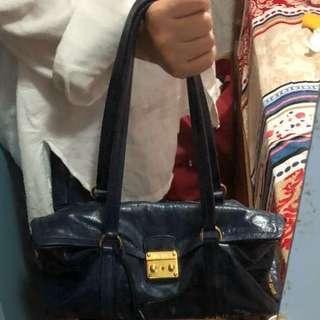 Miu Miu 藍色上膊袋
