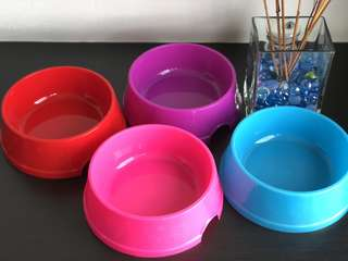 (L ; 18cm) Paws n Bones Plastic Bowl - Red, Blue, Pink, Purple