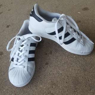 Adidas superstar size US 4 male