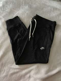 Nike Fleece Crop Trackpants
