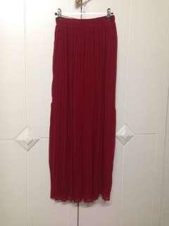 Forever 21 red pleated garter maxi skirt