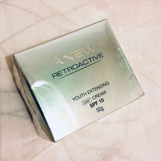 AVON ANEW Retroactive Youth Extending Day Cream SPF15