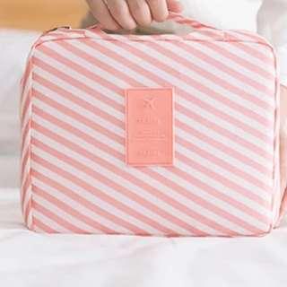 Travel Organizer/Pouch/Cosmetics Pouch