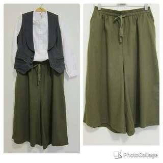 軍綠色口袋棉麻七分寬褲