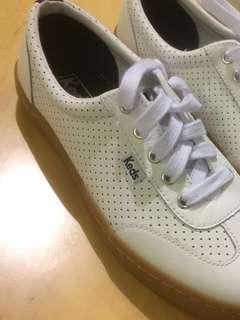 Sepatu merk Keds, gumsole, bahan kulit
