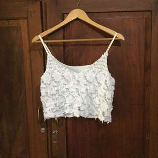 White sleeveless crop top