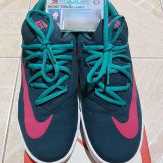 Nike KD Vulc Nightshade/Vivid Pink 6y (size 7)
