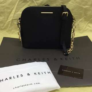 CHARLES & KEITH CHAIN BAG ❤