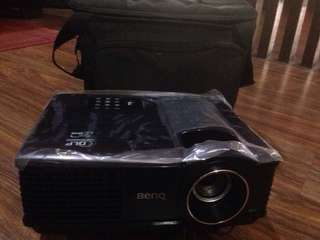 LCD BenQ projector MP515 and screen