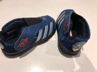 Adidas Captain America runners US 8.5 kids