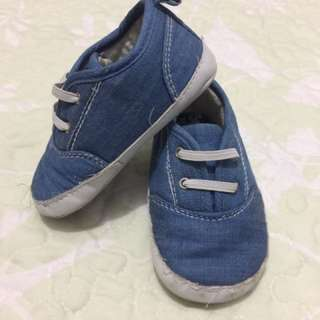 👦🏻 carters shoes ( 9-12 mos.)