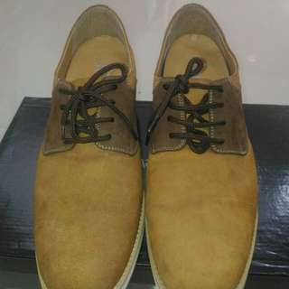 Sepatu casual branded Keeve Size 41