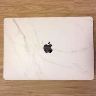 "2017 Macbook pro 13"" 2.0GHz/8GB/256GB"