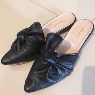 Amazara BerryBenka shoes