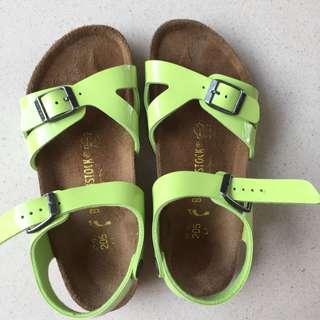 Birkenstock Sandals Size 32-33