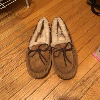 Ugg Moccasins / slippers