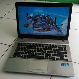 Laptop Design Samsung 300E Silver Mulus Ram 2 Hdd 500