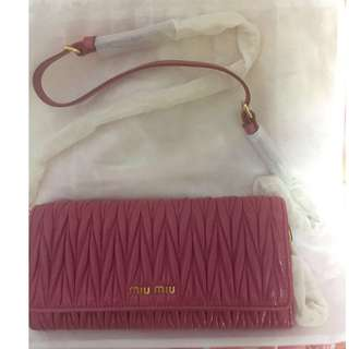Miu Miu WOC wallet on chain 可放iPhone X 全新