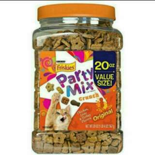 Friskies Party Mix 567g bottle