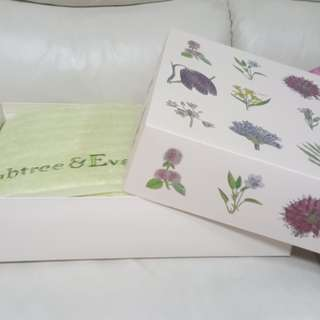 Crabtree & Evelyn Towel Set (3 pc)
