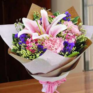 [FREE DELIVERY] Pink Lily & Carnations Hand-bouquet (966-LL)