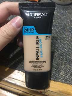Loreal Infallible 24 HR Pro-Glow Foundation