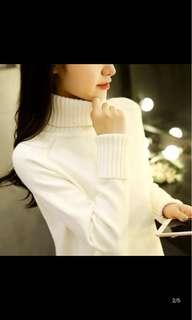 高領白色毛衣