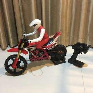 1/4 scale SR-4 Dirt Bike. 3S Lipo powered.