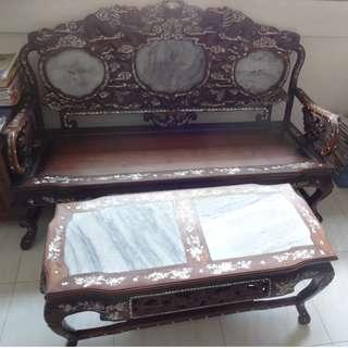 A16-镶嵌螺钿酸枝木雕龙八件头沙发茶几.原价S$ 12000.00.